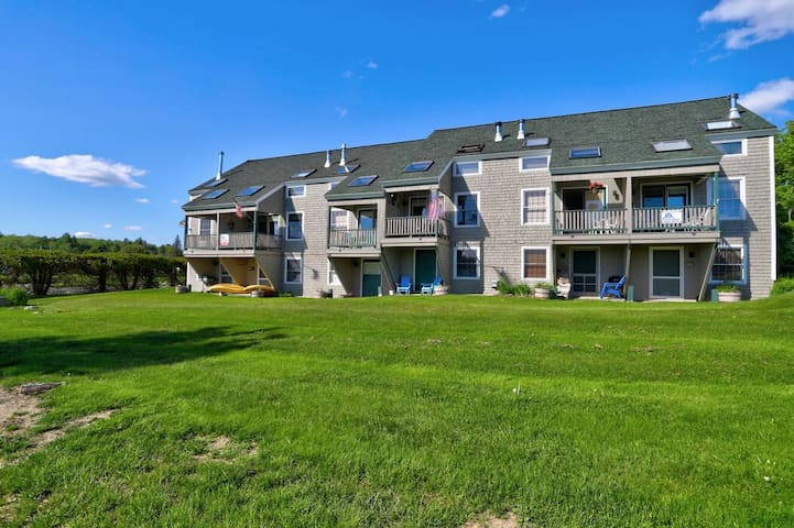 TP Condo A - Great downtown condo within walking distance to downtown Rangeley