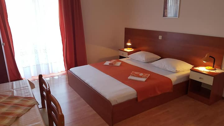 One bedroom apartment with terrace and sea view Gradac, Makarska (A-11332-d)