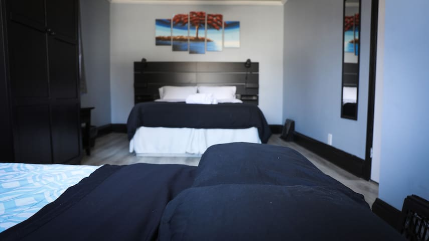 Private Bedroom - Downtown Cambridge (West Galt-1)
