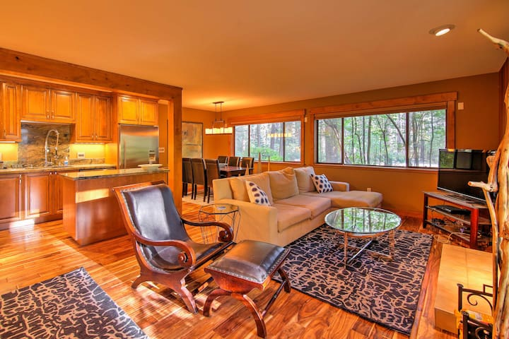 New Incline Village Condo-Walk to Lake Tahoe Beach