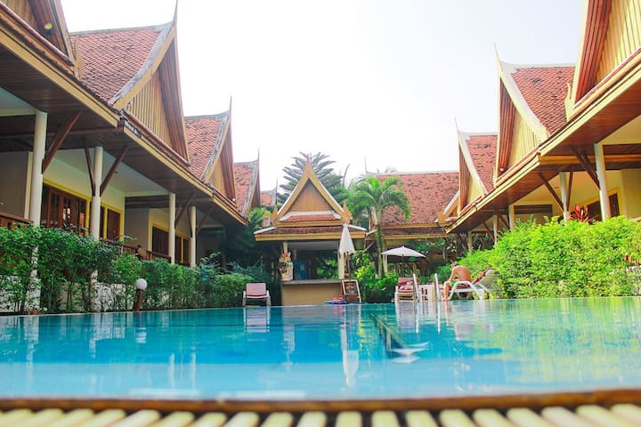Phuket Traditional Thai villa + common