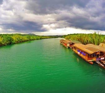 Bohol Family Vacation Home - แทกบิลารัน - อพาร์ทเมนท์