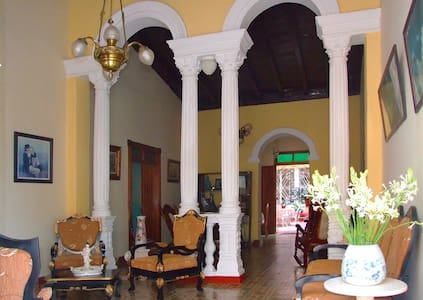 Casa Juan Carlos Orbea y la China (Room 1) - Trinidad