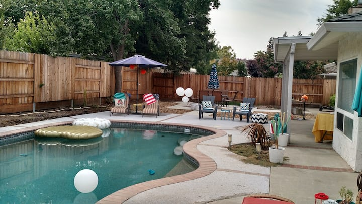 3/2 with Pool in Chico. Ready for Grad Weekend