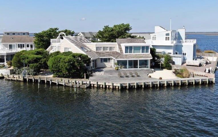 Bayfront retreat in Harvey Cedars, LBI