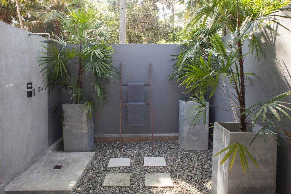 Outdoor Jungle Bathroom