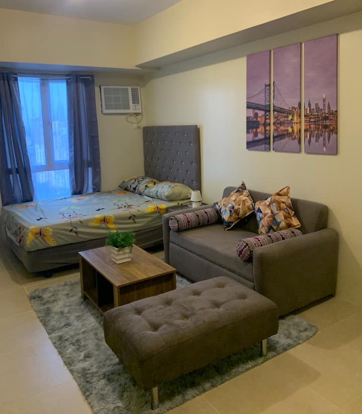 New Fully Furnished Studio Unit at IT Park Avida