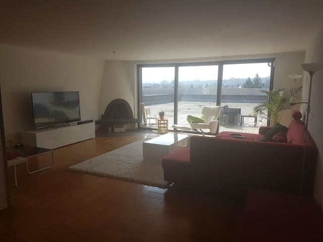 A big flat with an awesome view :) - Coburg - Wohnung