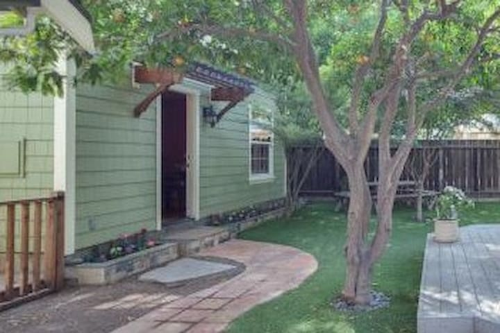Tranquil Cottage @ Dwtn Sunnyvale & Train