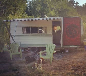Cozy camper close to the beach - Margaree Harbour - Campingvogn