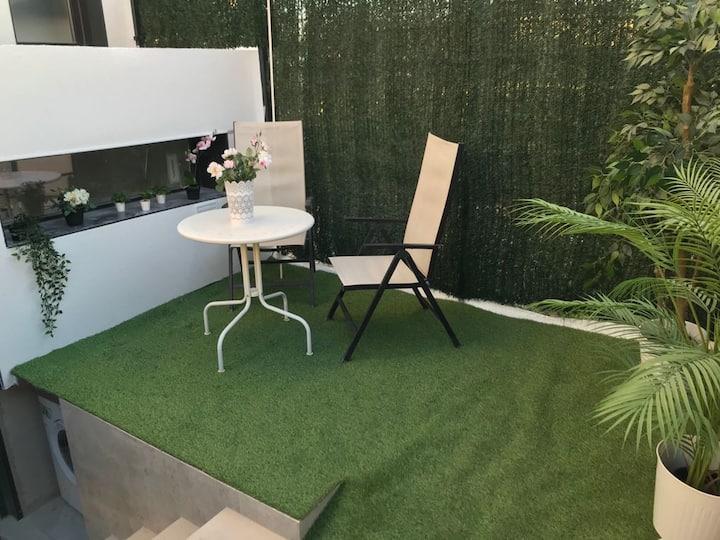 Precioso Apartamento a estrenar con Jardín privado