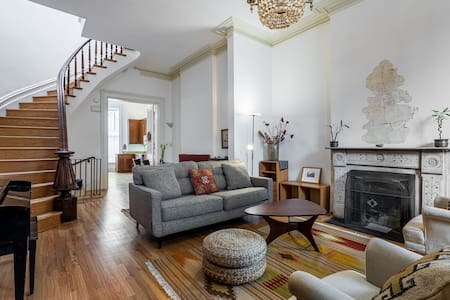 Old Town Charmer - Near Lincoln Park & Zoo