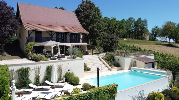 Stijlvol vakantiehuis met infinity zwembad