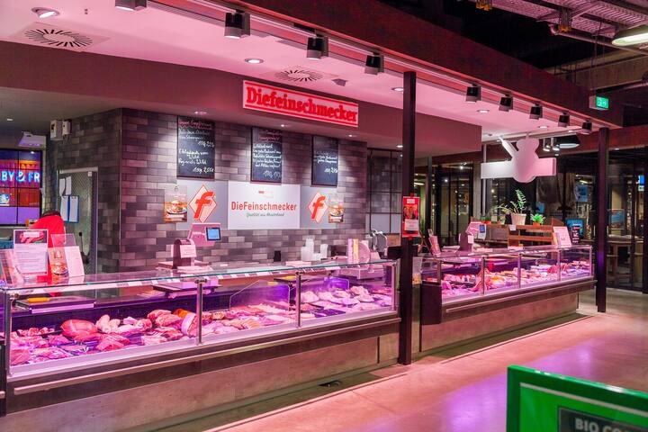 """""""Rindermarkthalle"""" butcher"""