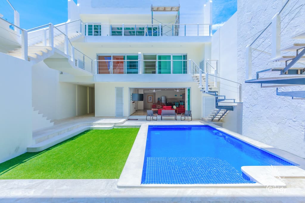 There are 6 one bedrooms, 1 two bedroom (ours) and 2 penthouses that share this pool.