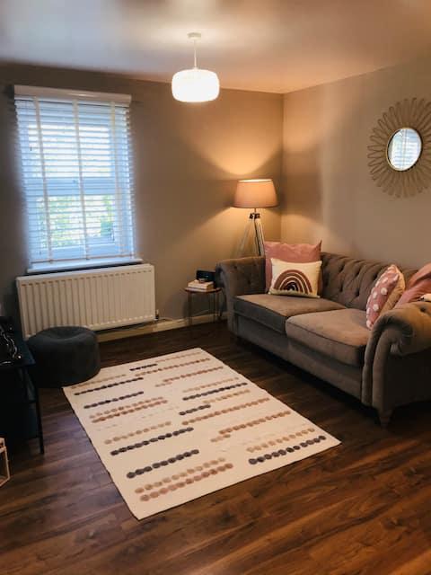 Cosy Cheltenham Apartment