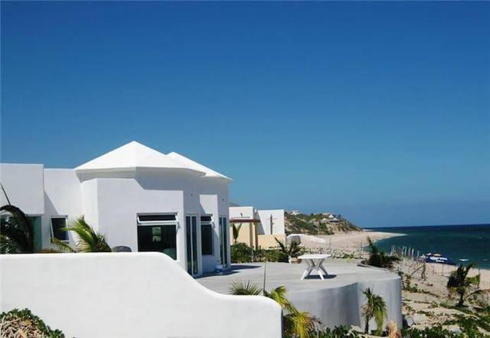 Beachfront La Ramadita house at Sargento/Ventana