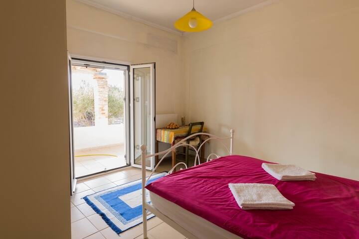 Sunny room close to Chania Airport - Zornadis - Dom
