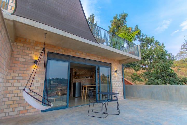 LOFT 647: Brand new studio with large terrace (B2)