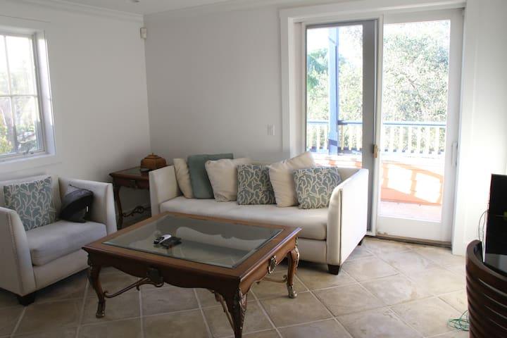 Swinton Luxurious Apartment