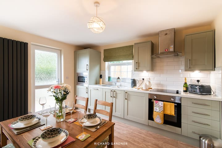Bluebell Cottage-Lovingly refurbished cosy cottage