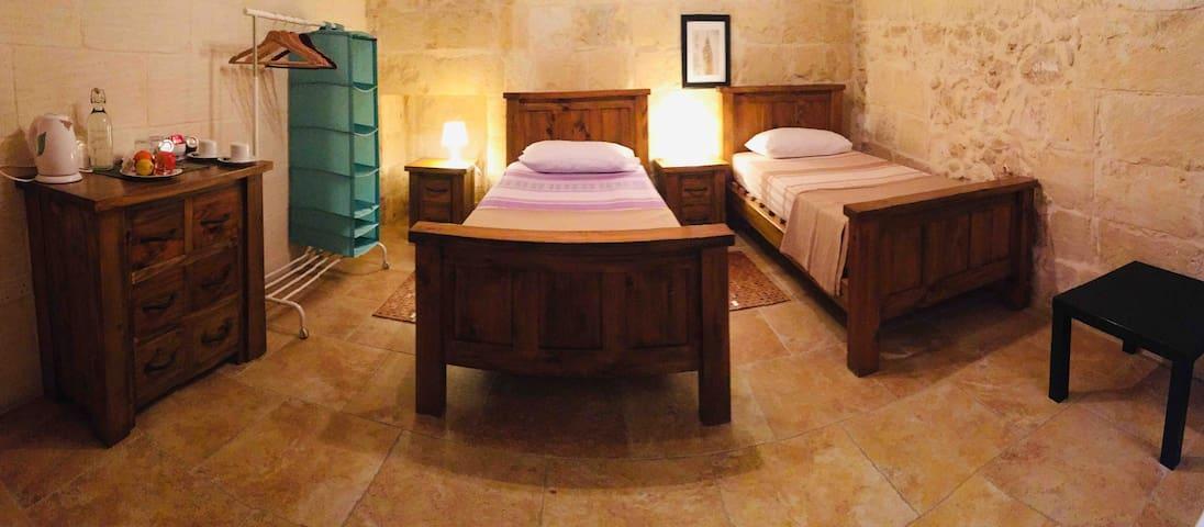 The Travellers Inn Gozo - Fontana Room