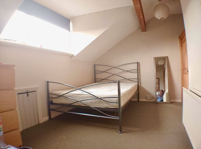 Private Room in Lovely Spacious House