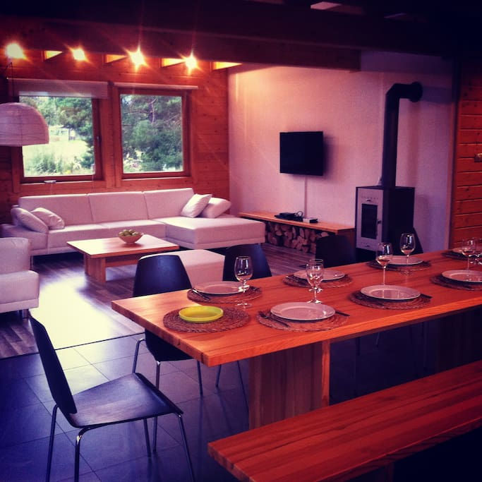 10 persons dinning table