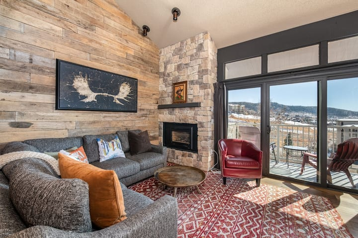 Penthouse Condo in the Heart of Ski Time Square