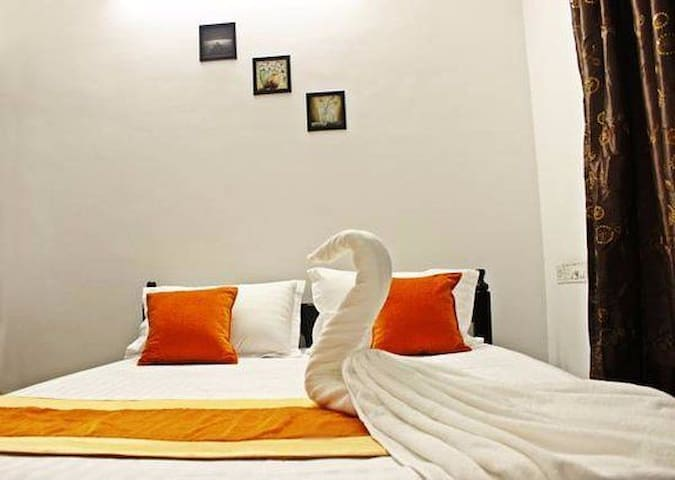 Safe/Budget room/Solo female/experience Trivandrum