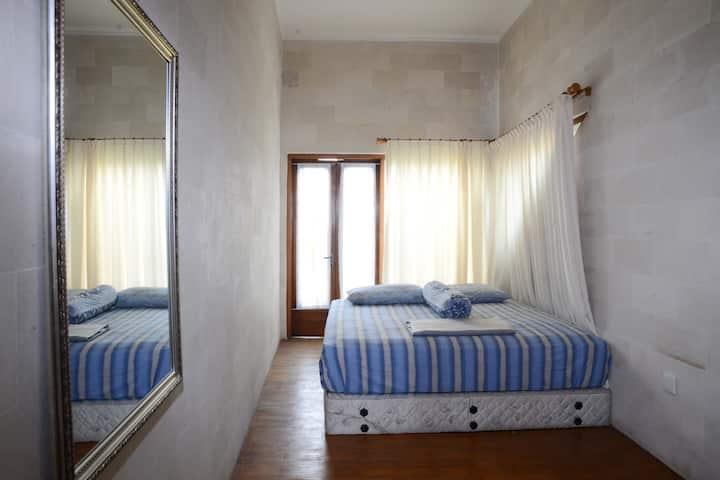 Jempang House Bendungan Hilir (Room 2)