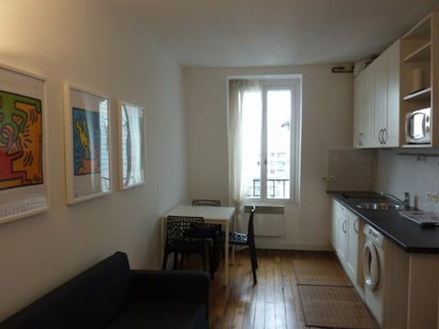Rue Simplon Cosy top floor 1 bedrm flat w/lift