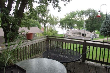 Lower level of home- 2 BR, kitchen, full bath - Mound