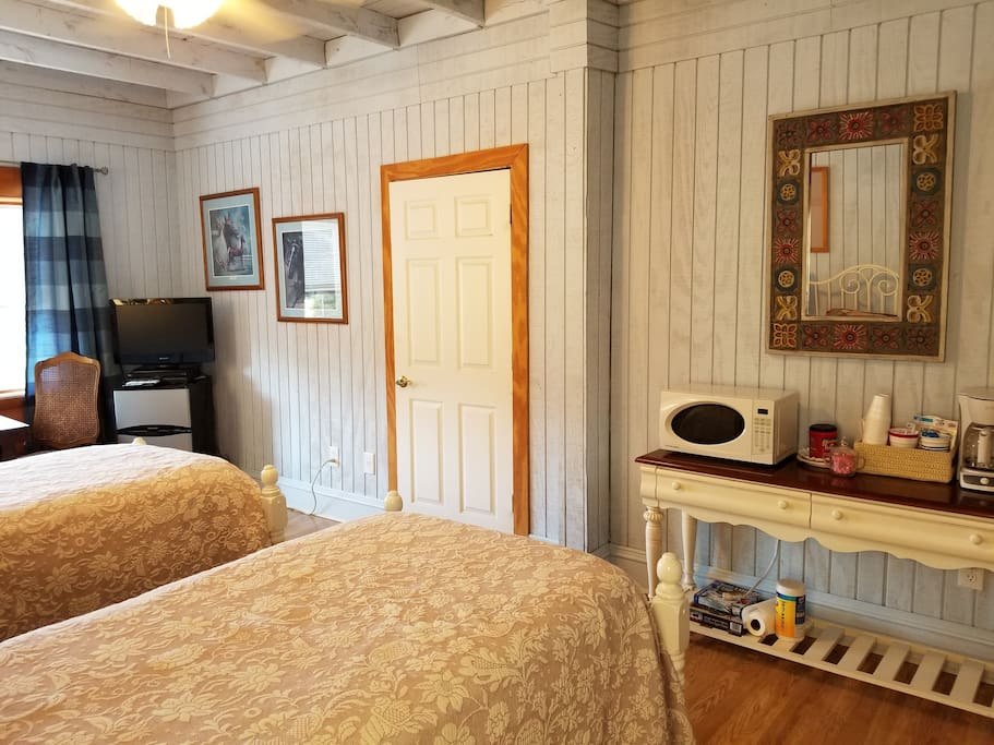 plus Two twin beds in ajoing room