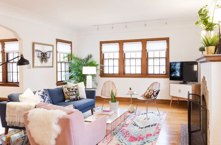 Bright and artsy Minneapolis retreat