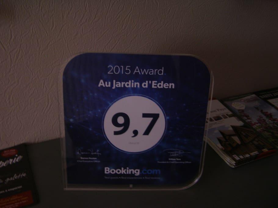 Ce Guest Award symbolise l'excellence de nos services parmi 800.000 établissements répertoriés sur Booking.com