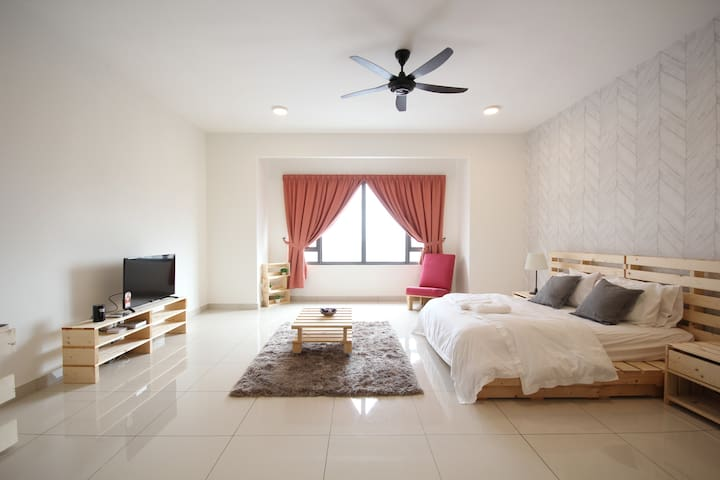 Dreamy Studio CLOSE to SUNWAY PYRAMID - A1713A