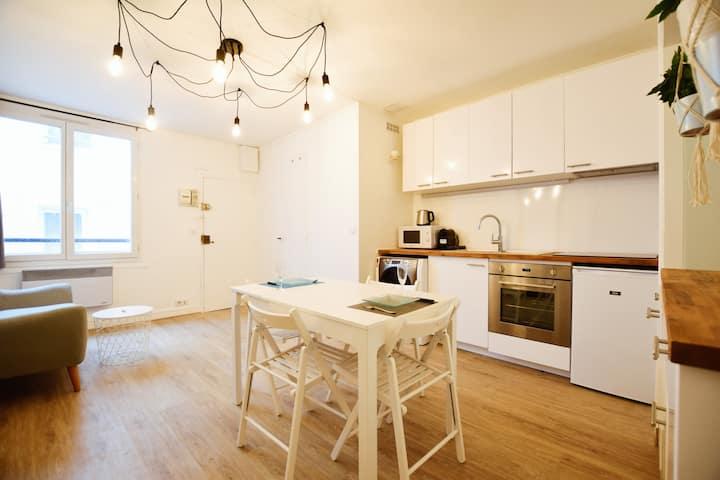 Stylish  flat in the Marais center