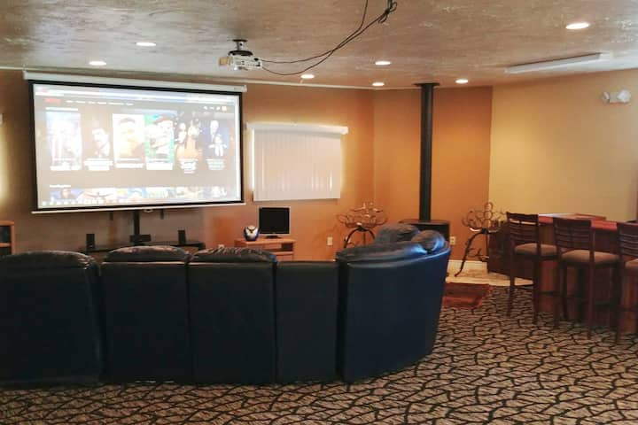 Not A Typical Abnb - Huge Private Suite & Theater