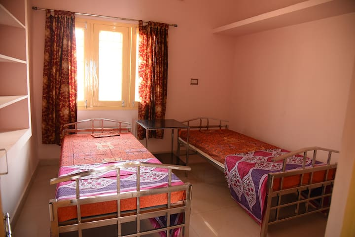 TV,AC & Furnished - Vellore Rock View amal house