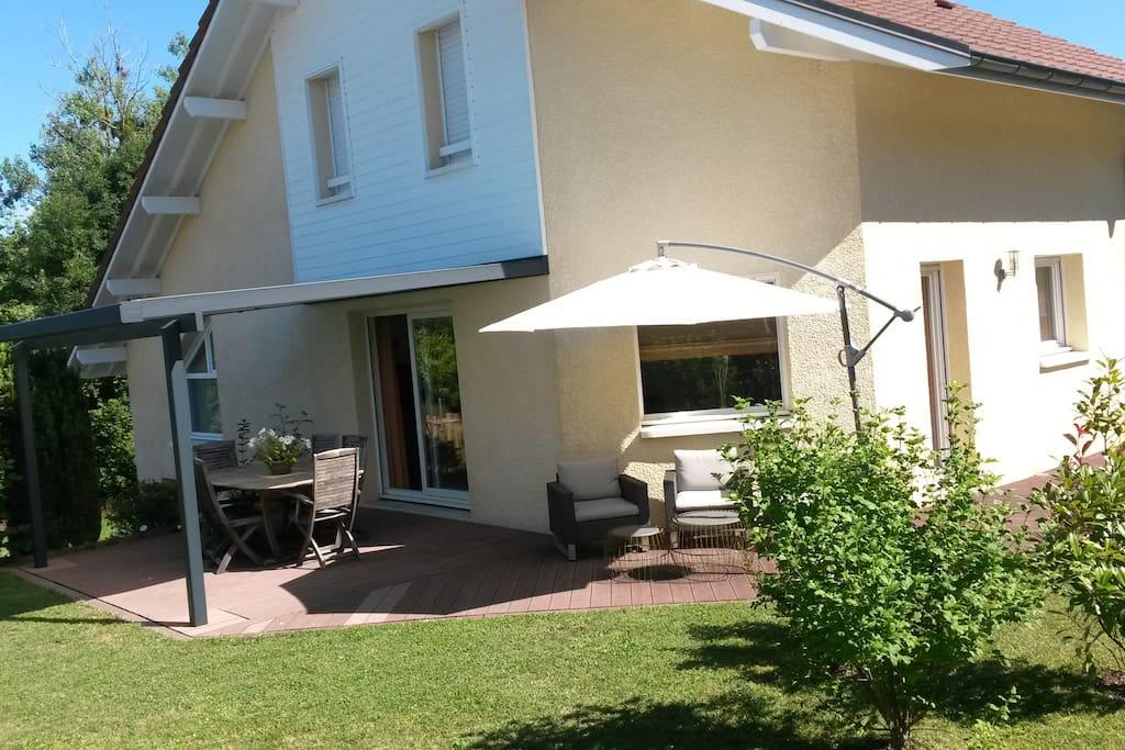 Belle villa r cente proche d 39 annecy maisons louer for Annecy maison a louer