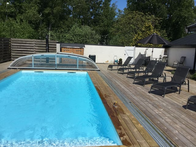 Poolhouse Casa lila