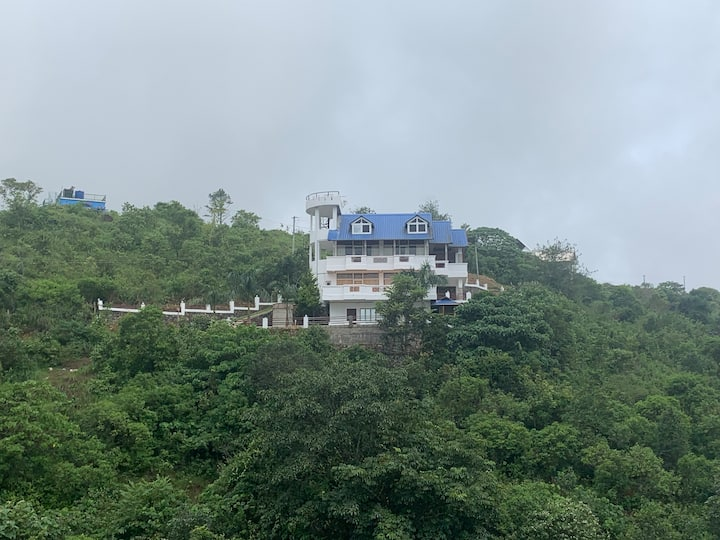 MOON PALACE , VAGAMON