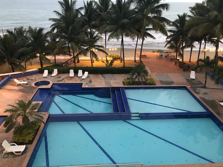 Ocean front, Resort Playa Azul, Tonsupa, Ecuador