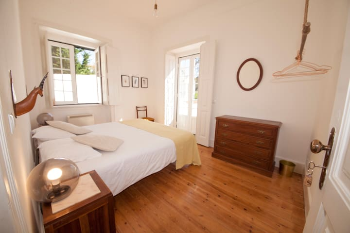 Double or twin room with balcony - Costeira Hostel