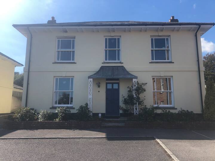 Charmouth Home with coastal views and large garden