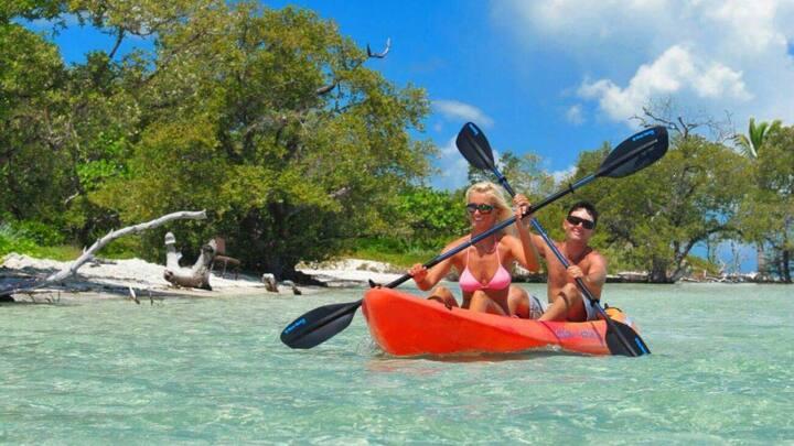 Keys Getaway! Lovely 2BR Ocean View Suite, Pool