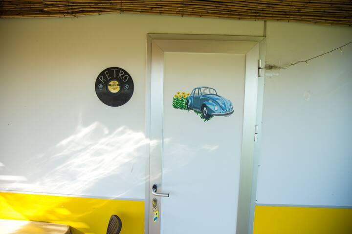 Caravan Retro / Mona Glamping Caravan Suites