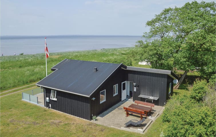 Holiday cottage with 3 bedrooms on 72 m² in Skals