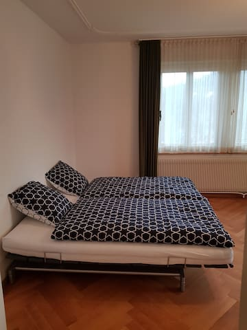1. OG, Room 5 (3 Personen)